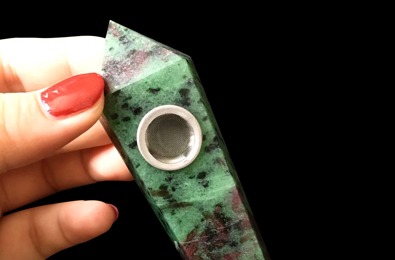 natural-quartz-red-green-treasure-crystal-pipe